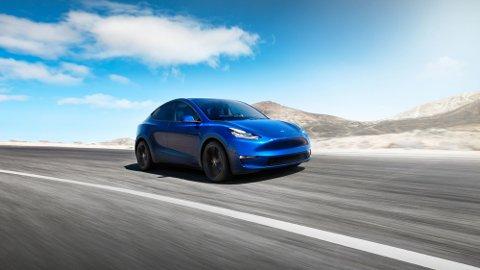 KOMMER I FIRE VERSJONER: Tesla Model Y kommer i fire versjoner, fra Standard til Performance. Pris og rekkevidde varierer fra noe over 300.000 kroner til noe rundt 550.000 kroner, og fra 370 km til 480 km.