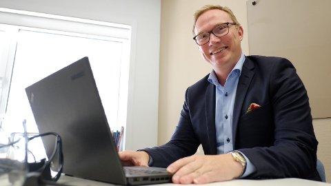 Åge Spets i Redningsselskapet kunne bruke timesvis på å lese e-post. Nå har han en nullvisjon for seg selv og selskapet i løpet av 2019. Foto: Trond Lepperød (Nettavisen)