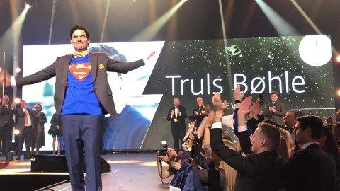 SUPERMANN: Truls Bøhle slapp jubelen løs da han ble kåret til «Årets megler».
