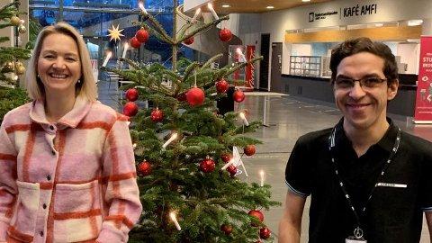 JULEBESØK: Pia Bing-Jonsson får besøk av Mario Eskaroos i jula, og han skal få bli med på ordentlige norske juletradisjoner