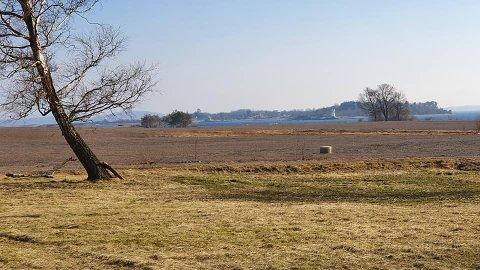 IKKE ET NYTT JARLSØ: Artikkelforfatteren håper området på Vallø kan fortsette å være et rekreasjonsområde.