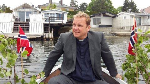 – PRAT MED HVERANDRE: Sjømannsprest Jan Stellef Rønningen gir gode råd i korona-krisen.