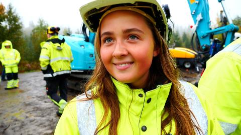 ANLEGGSGARTNER: Norah Norum Sørby har planer om å bli anleggsgartner og mener man lærer mye mer av praktisk trening enn kun teori på skolebenken.