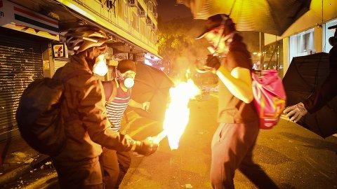 DO NOT SPLIT: Anders Sømme Hammer fulgte demokrati-protestene i Hong Kong tett i 2019. Dokumentarfilmen herfra er nå nominert til Oscar.