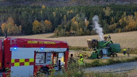 TOTALSKADD: Skurtresken som tok fyr onsdag ettermiddag ble totalskadd i brannen. Det opplyser brannvesenet. Brannen rakk ikke å spre seg i terrenget, og ble fort slukket.