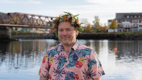 NY LÅT: Dag Olav Stølan er ute med ny låt og synger om «Drømmedama» som hang på veggen i guttedagene.