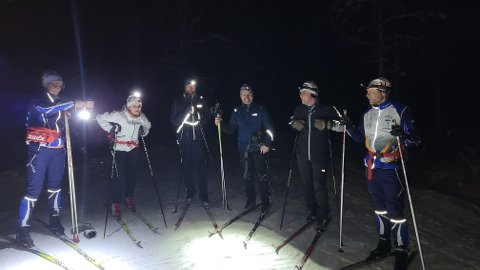 Ivrig gjeng: Denne gjengen var ute på Myrset og sanket kilometer fredag kveld: Fv: Ragnhild Agle, Trude Parnas, Bernt Ola Berg, Arnt Einar Bardal, Kjell Tyldum og Ola Agle.