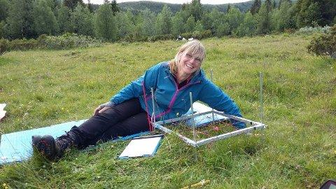 Biolog Ellen Svalheim fra Gjeving er en av landets fremste forskere og eksperter innen kulturladskapspleie. Foto: NIBIO