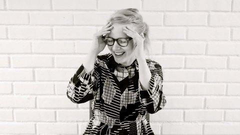 Kristine Tjøgersen mottar prisen av kulturministeren 19. september. Foto: Wolf Janes Photography