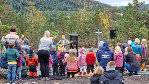 God stemning: Mange møttes og koste seg på Timmeråsen i Åmli søndag.