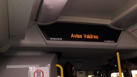 Nytt namn: Busstoppen i Skrautvålsvegen har skifta namn frå Valdres Trykkeri til Avisa Valdres etter at trykkeriet vart nedlagt.