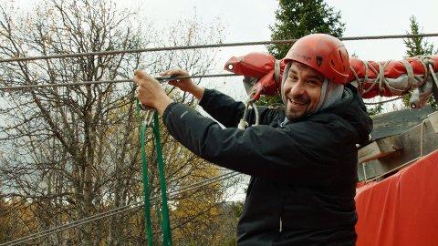 Leo Ajkic fikk prøve seg på spenstige øvelser under oppholdet på Brennabu.