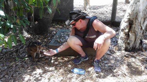 Truet: Flere dyrearter i Australia er truet. Det anslås at 480 millioner dyr har dødd i brannene så langt. - Dyrene har ikke en sjanse mot flammene, sier David Percy (bildet), som er i hjemlandet på ferie.