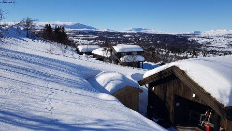 Åtte hytter: Her i Vaset alpinområde var det folk på en fjerdedel av hyttene fredag formiddag. I Båtåne hyttefelt, med totalt 17 hytter, var det folk på kun ei av hyttene