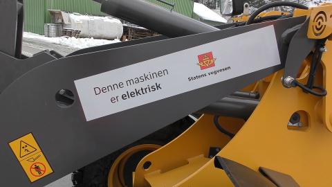 Elektriske kjøretøy er et av flere tiltak som skal få ned CO2-utslippet i den nye driftskontrakten for riksvegene i Hallingdal og Valdres.