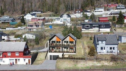 Vika Terrasse ligger sentralt til i Fagernes, 450 meter nord for krysset inn mot Fagernes sentrum.