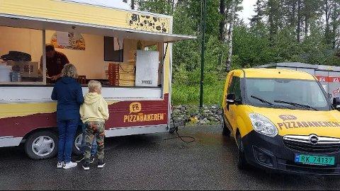 LØRDAGSPIZZA: Vogna i Hedalen er åpen noen timer hver lørdag ut juli.