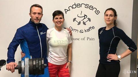 TRIO. Frode Lein, Wivi Lein og Cecilie Longva trener sammen på Andersens Gym og Kaffe på Rotnes. Nå skal de løpe opp det åttende høyeste fjellet i verden. (Foto: Jostein Engebretsen)