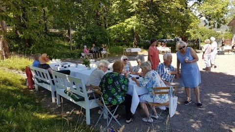 Ta med familie og venner til en hyggelig onsdags-kafé på Markerud gård (Foto: Torgunn Hande).