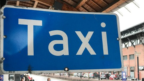 ALTERNATIV: Regjeringen ønsker å gjøre det mulig å bruke alternative, digitale løsninger til taksameter i drosje.