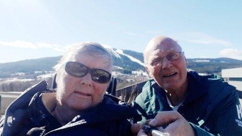 KOMMER SEG UT: Tom Ole Simensen tok med kona på quiz-runden i nabolaget til Døli.
