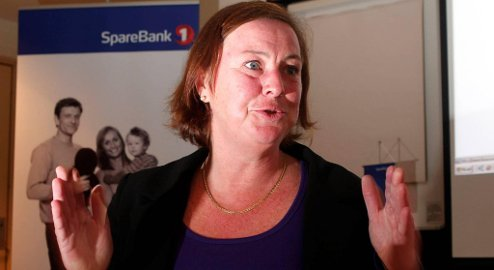 Elisabeth Realfsen, daglig leder i Finansportalen, mener forbrukere bør være om seg og bytte bank om de ikke får beste rentevilkår i banken sin.