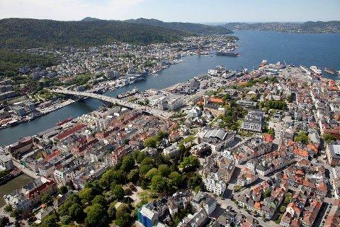 I januar gikk 85 prosent av de solgte boligene i Bergen over prisantydning, mens ti prosent gikk under. Fem prosent gikk til prisantydning, viser tall fra bransjen. Men lokkepriser er det  ikke, ifølge meglerne.