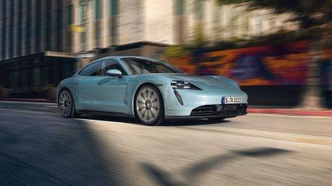 Elektriske Porsches Taycan ble lansert i september. Da var det toppmodellene som ble introdusert. Nå kommer en ny innstegsmodell: 4S. Den senker startprisen med 400.000 kroner.