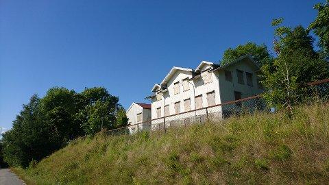 Solhøy gamle skole er et tydelig landemerke på vei inn til Son sentrum