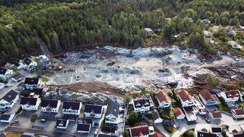 Kreklingfaret på store Brevik i Son består av mange nye eneboliger. Etter 2019 er det et krav om at alle boliger må ha minst ett ladepunkt for elbiler.