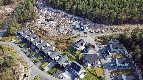Takstige er pålagt gjennom brannforskriftene, men var ikke på plass da huseierne overtok boliger i Kreklingfaret og i Jordbærsvingen i 2019.