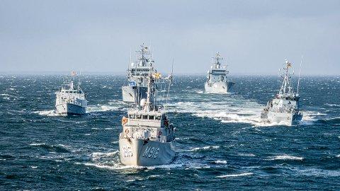 Fem Nato-fartøy har nå øvelse i Oslofjorden.