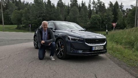 Broom-Benny er en av de første som får teste nye Polestar 2 på norske veier.