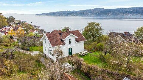 Denne sveitservillaen i Leif Aasens vei i Hvitsten ble nylig solgt etter å ha hatt 40 familier på visning.