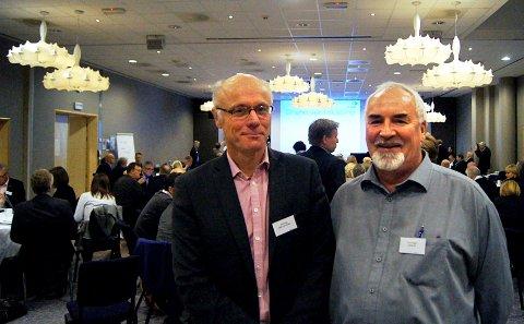 FREMTIDEN ER VANN: Daglig leder Bård Haug (til venstre) i CWN Vannklyngen og eier av Gavita Watertech, Trond Vegger, på partnerskapskonferansen i regi av Vestfold fylkeskommune. Temaet for konferansen var grønn verdiskaping.