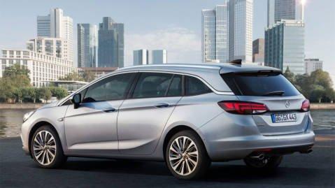KOMBIMODELL: Opel Astra kommer som stasjonsvogn samtidig som kombimodellen.