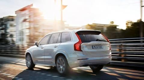 Innstegsmodellen av Volvo XC90 blir dyrere, mens toppmodellen, T8, blir billigere.