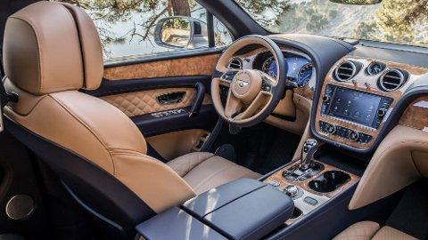 Luksusfaktoren er skyhøy inne i Bentley Bentayga – for de som er så heldige å få oppleve dette i virkeligheten.