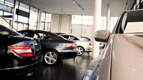 BRUKTBILTRIKSENE: Det er flere feller du må unngå i møtet med bruktbilselgeren. Foto: Illustrasjonsbilde (NTB scanpix)