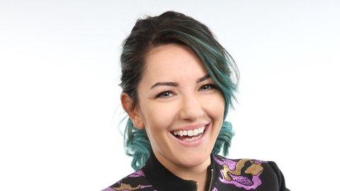 PÅ SCENEN: – Jeg er veldig interessert i de temaene som skal tas opp, sier Selda Ekiz, som gleder seg stort til å lede Teknologikonferansen.