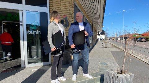 ANNERLEDES JOBBHVERDAG: Mailehn Nilsen og Stian Smedsrud er to av de ansatte ved Stamina Helse som fra og med torsdag skal ha hjemmekontor på ubestemt tid.