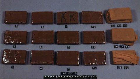 Grunnlaget for tiltalen påtalemyndigheten la til grunn var at det de omtaler som organiserte kriminelle skal ha anskaffet, oppbevart og solgt cirka 50 kilo heroin og 5 kilo kokain.