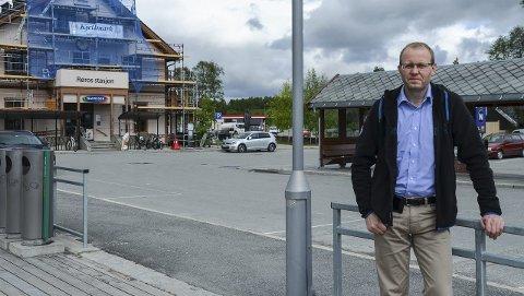 TILBAKE: Lufthavnsjef Gudbrand Rognes gjør comeback i lokalpolitikken til høsten. Nå vil han jobbe for å bedre togtilbudet på Rørosbanen.