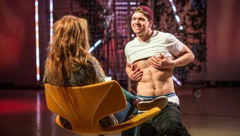 Vegard Bergh fra Tynset danset seg elegant til en date med Jenny Veddeng fra Ålesund i det tredje programmet av tv-serien.