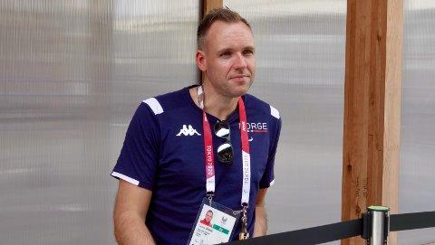 Tommy Urhaug vann sin første kamp i gruppespelet ved Paralympics i Tokyo. Her er han på plass i Japan under lekene i 2021.