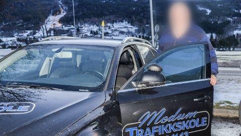 I karantene: Statens vegvesen har tilbakekalt Thor Skåliens godkjenning som trafikklærer og faglig leder i tre måneder. – Jeg innrømmer å ha vært for dårlig på det administrative, men det har ikke gått ut over elevene mine, sier Skålien som ikke ønsker å stå fram på bildet.