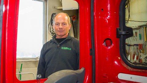 Glassmester Halvorsen AS. Legger ned driften etter 21 år. Frode Halvorsen.