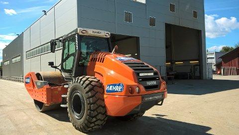STORT MASKINERI: En Hamm H25i, maskinene blir transportert direkte fra Wirtgen til verkstedet på Vikersund hvor de blir utstyrt til «Hæhre-spec».