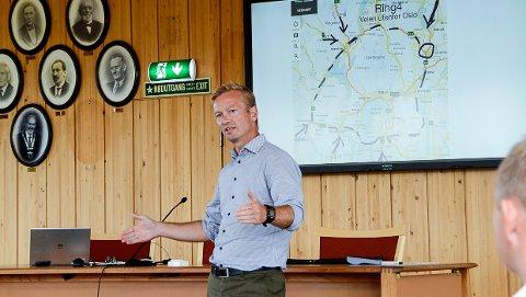 RV. 35: – Skal ny rv. 35 komme med i Nasjonal transportplan 2022-2033, må dere først være enige om hva dere ønsker, sier Helge Orten (H), leder av Stortingets Transport- og kommunikasjonskomité