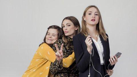 VENNINNER FRA FOLKEHØYSKOLEN: Ida (Kjersti Tveterås), Camilla (Jenny Skavlan) og Siri (Renate Reinsve). Tre venninner fra folkehøyskolen på veg inn i voksenlivet.